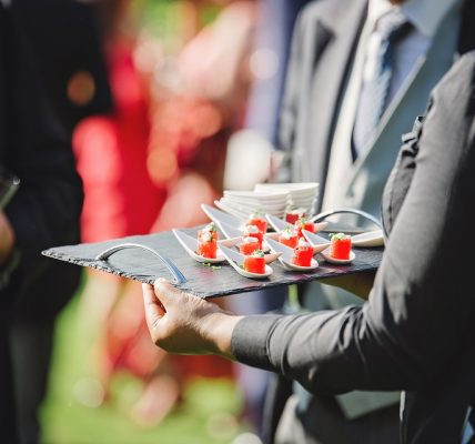 Top Tips to Consider Before Hiring a Barbeque Catering Service